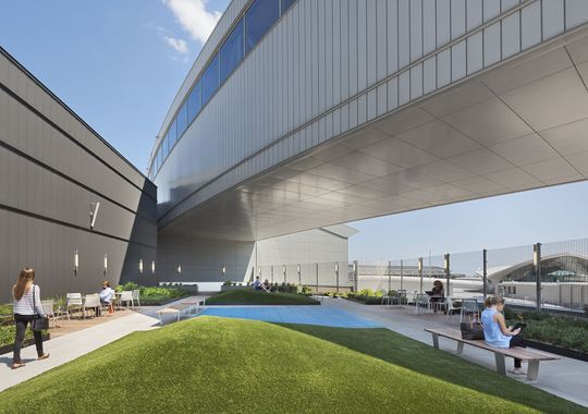 JetBlue's outdoor rooftop lounge, with dog walk, at NYC's JFK Airport // #JFK #DogTravel