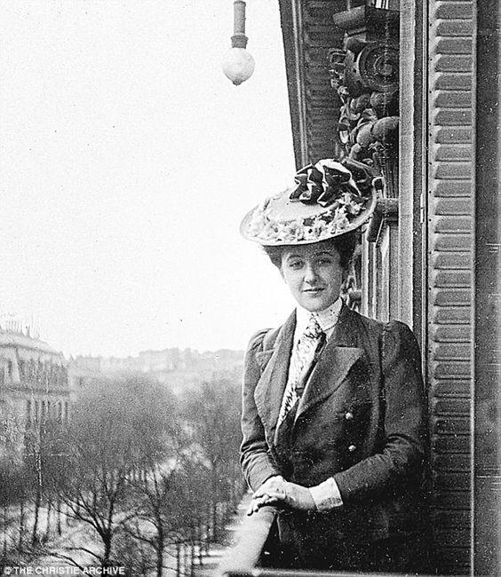 VINTAGE PHOTOGRAPHY: Agatha Christie, Paris 1906