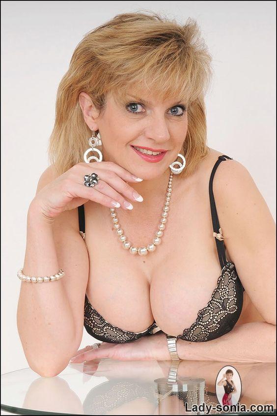 Natalia avelon hot and naked