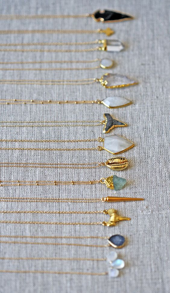 gold chains all lined up | kei jewelry: