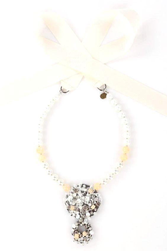 pearls stone crystal necklaces http://www.totemshop.in.ua/collection/kolie/product/kolie-gornyy-hrustal-i-gematit