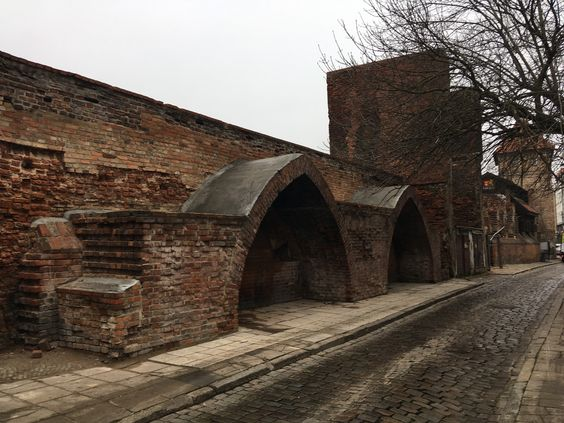 Старая стена города