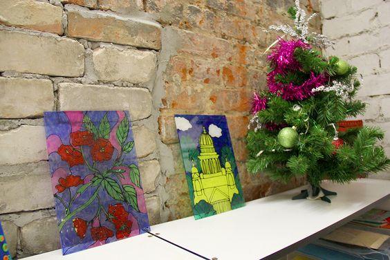Витражи учеников Центра творчества музея изобразительных искусств. Фото Жени Шведы