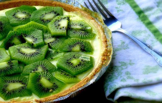 No-bake lemon-kiwi cheesecake, with 5 ingredients: lemon curd, cream cheese, cool-whip, store-bought graham-cracker crust, fresh kiwis.  NOM!