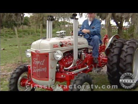 Extreme Heavily Modified Ford 8n Funk Conversion With V8 Ford Engine And Front Wheel Assist Youtube With Images Classic Tractor