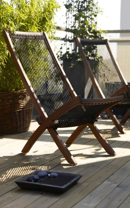 Gartenmobel Gebraucht Teak : Ikea fan favorite brommo chaise soak up the sun in this comfortable