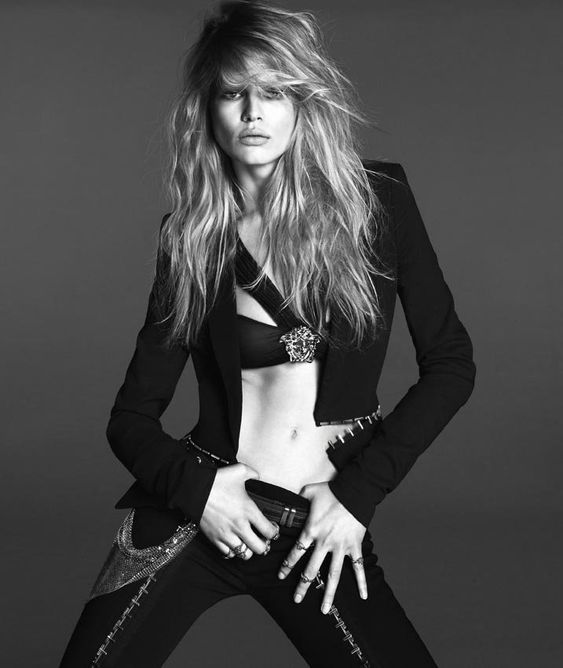 versace woman anna ewers4 Anna Ewers Poses for Versace Spring 2014 Woman Campaign