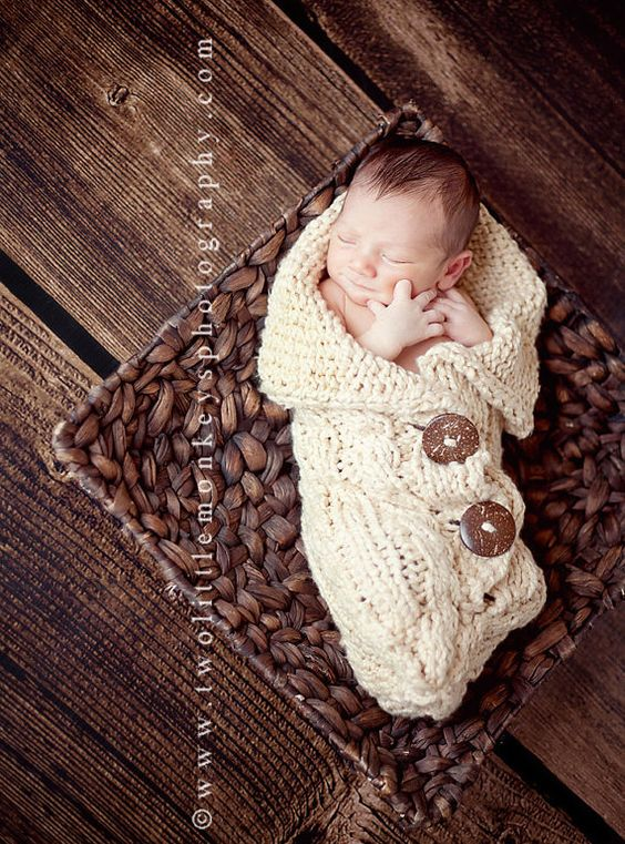 Organic Baby Cocoon  Newborn Knitted and Cabled von SwaddleMeSoftly, $80.00