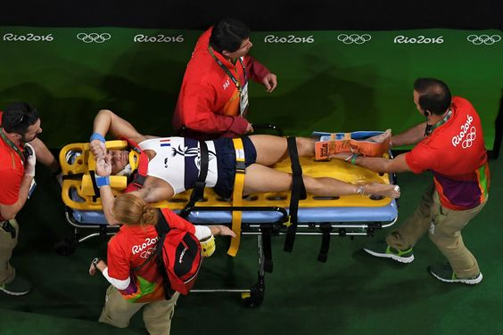 Ortopedista explica fratura na perna do ginasta francês e todos os tipos #globoesporte