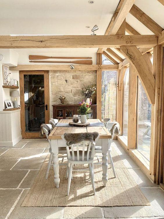 medinio namo virtuvė
