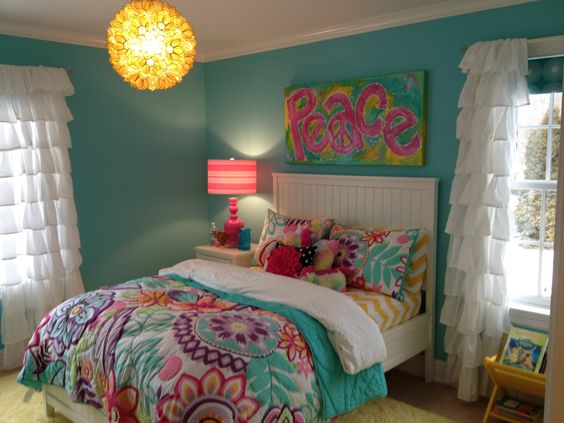 Bright and blingy pink and turquoise peace by for Bright yellow bedroom ideas