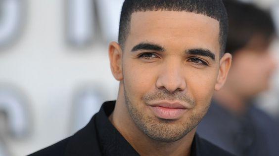 """Der kanadische Rapper hat ein ganzes Genre erneuert. Und nun sein langersehntes Album """"Views"""" veröffentlicht. Fünf Erkenntnisse, die einem…"""