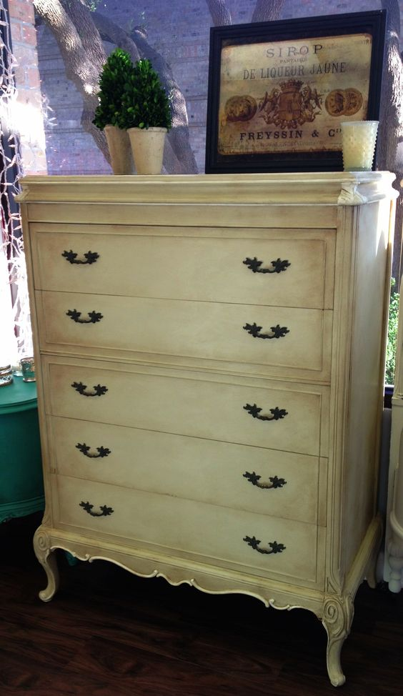 Vintage Chest Of Drawers Painted In Annie Sloan Chalk