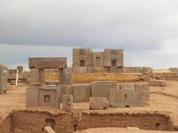sítio arqueológico de Tiwanaku - Bolívia.
