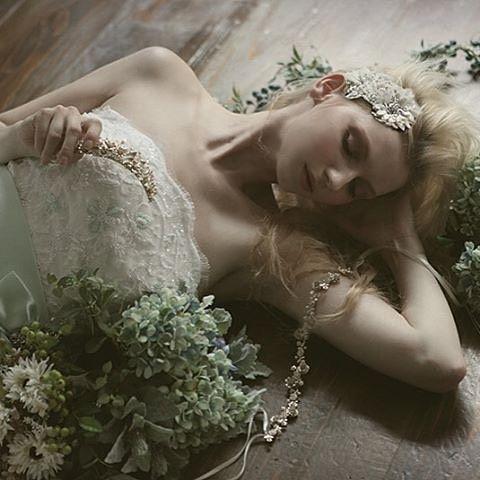 #tamara_bridal_jewelry#wedding #bridal #headpiece #swarovski #weddingjewelry #costumejewelry #bridaljewelry #freshwaterpearls #citta #studiobarrack #tamara #花嫁 #結婚式 #ウェディングアクセサリー #ヘッドピース #ブライダル #ブライダルアクセサリー #ヘッドドレス #ヴィンテージ #コスチュームジュエリー #花冠 #スワロフスキー #スタジオバラック #タマラ  ブライダルジュエリーのtamaraは http://www.monsoon-bazaar.com/citta にてどうぞ❤️