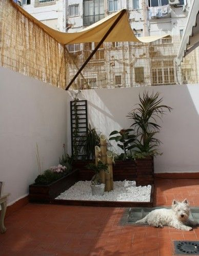 Decoraci n minimalista y contempor nea decoraci n de for Adornos para patios pequenos