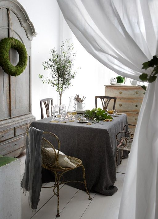 www.digsdigs.com/beautiful shabby chic dining room ideas: Dining Rooms, Tablecloth, Shabby Chic, Decorating Ideas, Living Room, Table Setting, Diningroom, Room Design