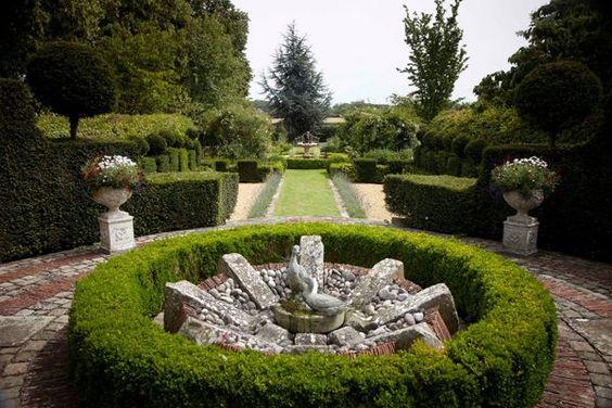 French Garden Designs  http://thebestinterior.com/4479-french-garden-designs