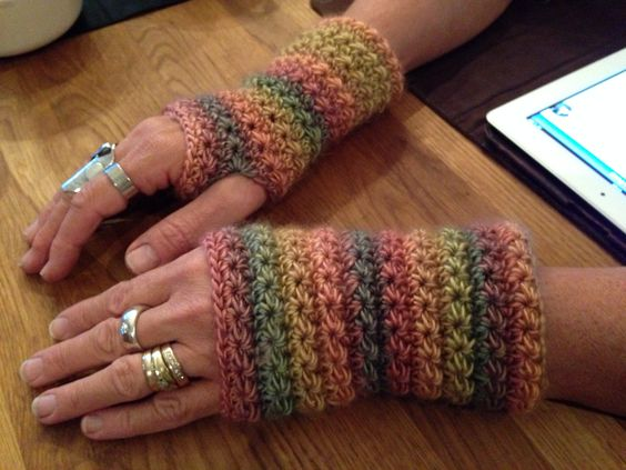 Crochet - pulse warmers - Star stitch