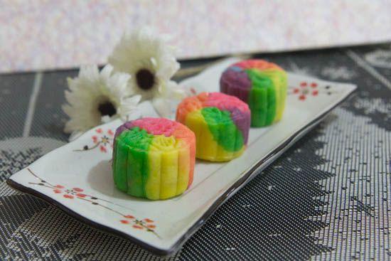 Rainbow snowskin mooncake
