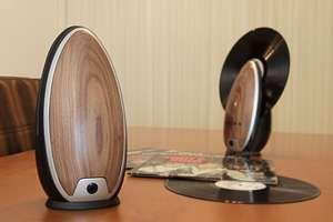 NEED : ce lecteur vinyle design et vertical !
