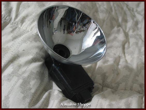 ARGUS Bulb Type Camera Mountable Chrome Bowl Flash Unit Antique 1950s Era Used  IMG 4620  http://ajunkeeshoppe.blogspot.com/