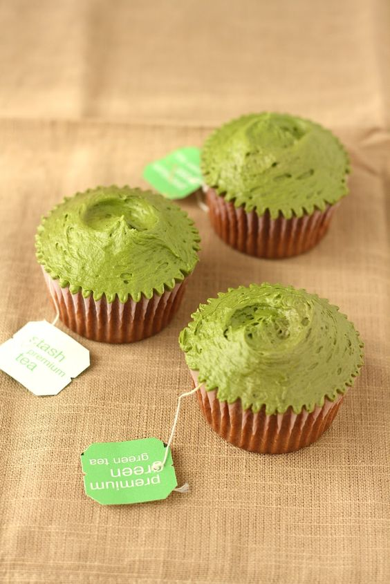 Hummingbird High: Hummingbird Bakery Green Tea Cupcakes Recipe (Adapted for High-Altitude)