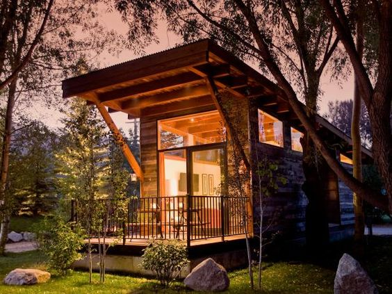 Sensational 13 Cool Tiny Houses On Wheels Wanderlust Tiny House On Wheels Largest Home Design Picture Inspirations Pitcheantrous