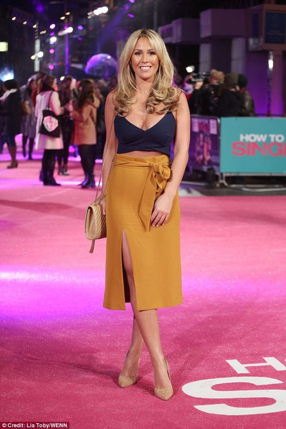 d2225238a6c37 KATE WRIGHT at ITV Gala in London 11 24 2016