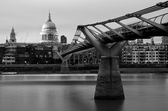 London. Millenium bridge