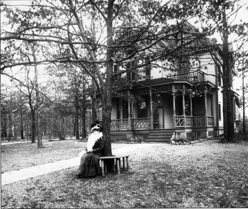 """unefemmediscrete: Helen Colburn sitting under her """"spirit... #Blood_Milk #BLOOD_MILK_ #Arts"""
