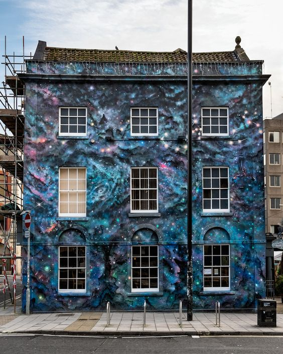 Full Moon, Stokes Croft | 30 Jaw-Dropping Pieces Of Bristol Street Art by Cheba.