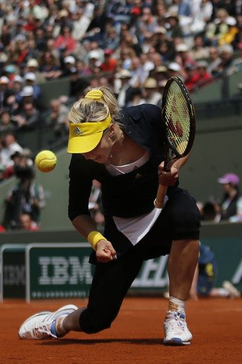 Russias Maria Kirilenko reacts after a winning point as she plays USAs Bethanie Mattek-Sands during their fourth round match of the French Open tennis tournament at the Roland Garros stadium Monday, June 3, 2013 in Paris. (AP Photo/Christophe Ena)