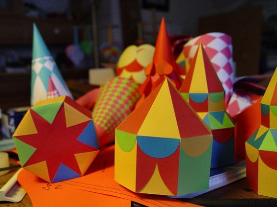 Circus Tent, with template, cut & fold