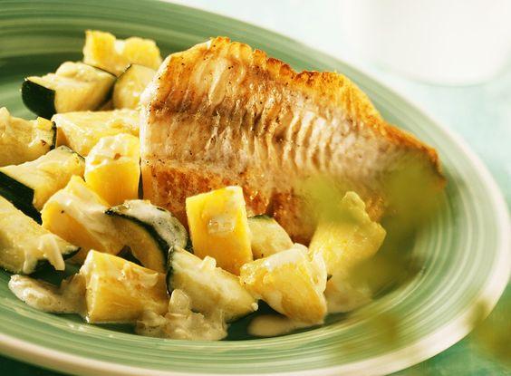 Barsch mit fruchtigem Gemüse - smarter - Zeit: 30 Min. | eatsmarter.de