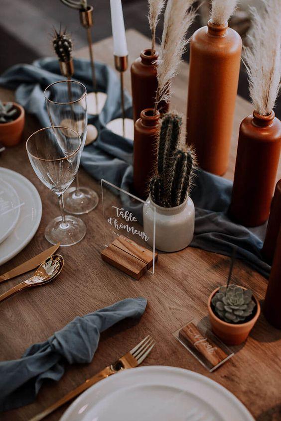 Décoration de table de Mariage Moderne et Bohème aux couleurs Terracotta. Organisé et Décoré par Empreinte Ephémère