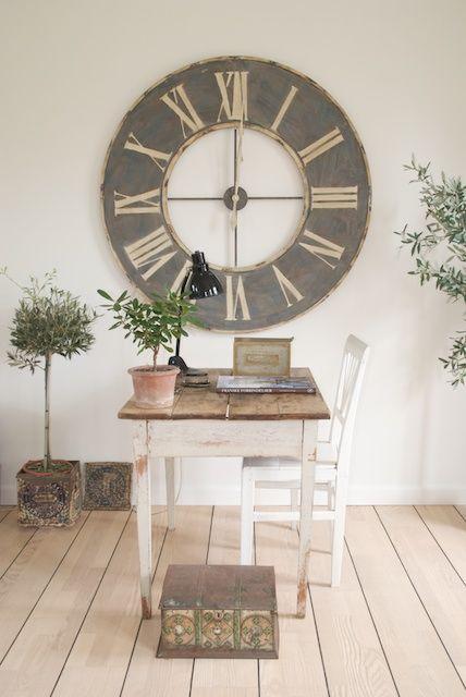 ... old clock ...