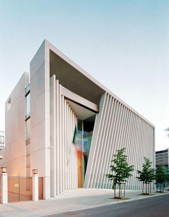 Arqbto embajada de m xico en alemania teodoro gonz lez for Modern office design and architecture inc