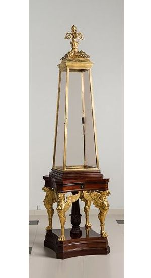 Superb Imperial Obelisk Display Cabinet from the Room of Cameos by V. Schtrom on a design by Leo von Klenze - Softwood, alder, redwood, gilt bronze, glass; veneering - Saint Petersburg: 1850-52.