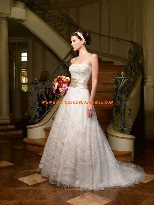 Robe de mariée 2011 à bustier en detelle