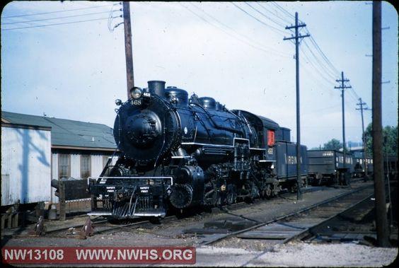 VGN Class MC 468 at Roanoke, VA
