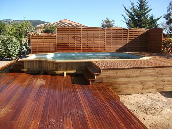 Piscine semi enterr e en bois cours pinterest for Piscine en bois semi enterree