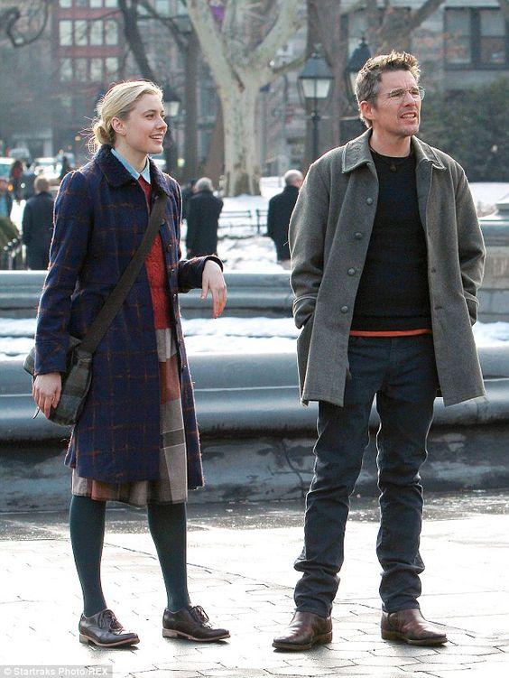 Ethan Hawke and Greta Gerwig eat cupcakes on the set of Maggie's Plan