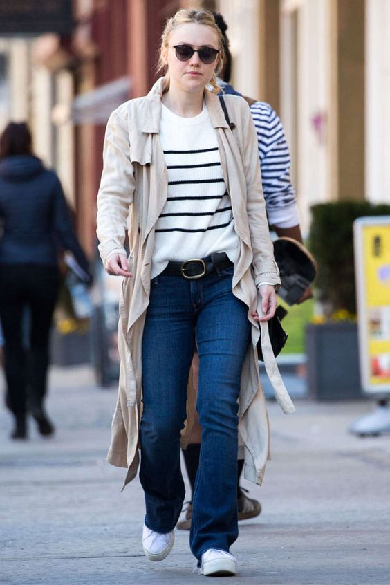 dakota fanning denim pants stripes sweater street style