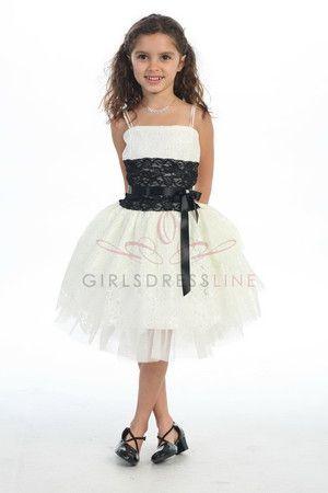 Flower Girl (Girls Dress Line White/Black Lace)