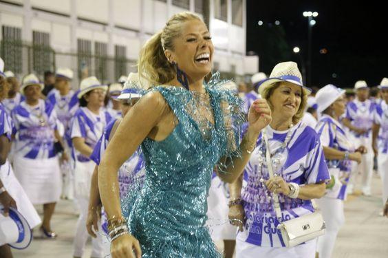 Adriane Galisteu volta à Portela como musa em 2016 depois de ser rainha de bateria da Portela entre os anos 2000 a 2006