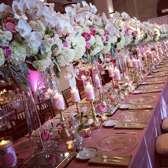 This literally had us speechless!  Loving this Beautiful Table by ellyB Events Unreal!!