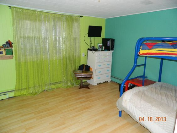 Crookston, MN Home For Sale (Nov. 2013)--fun colors for a kids' room!!