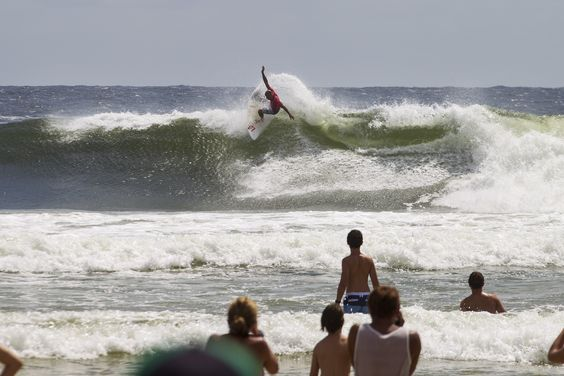 Taking the top off one in Round 3 of the Quiksilver Pro Gold Coast 2013. Photo: ©ASP