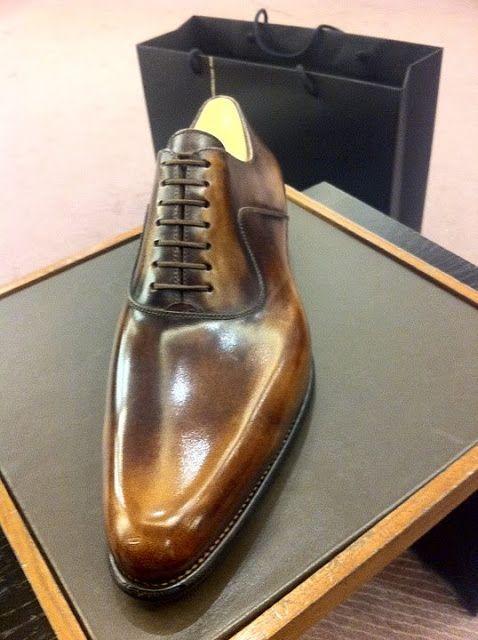 dies ist ein Schuh vom J.M. Weston mit einer Patina von Paul Bolten aus Paris.